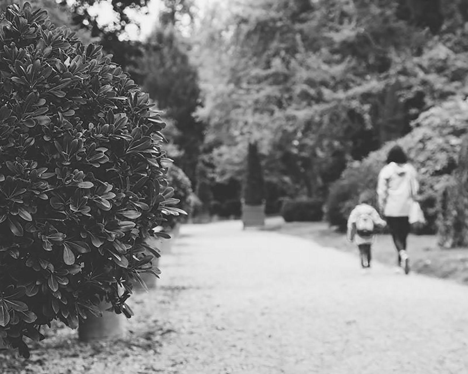 1. A passeggio con mamma bn